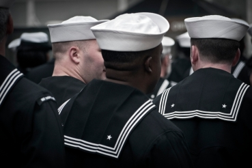 sailors-veterans-day-manhattan300